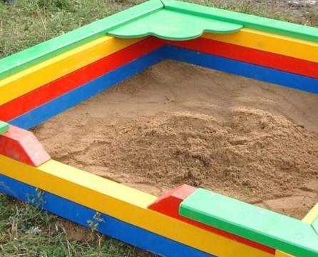 Делаем детскую песочницу самостоятельно