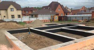 Как уменьшить нагрузку на почву ленточного фундамента