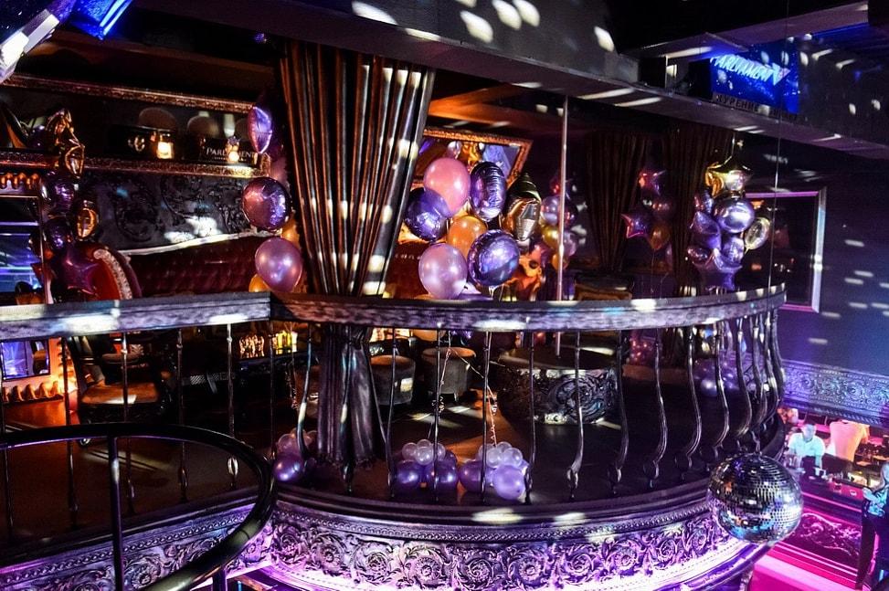 самый дорогой клуб в москве фото сигер работает